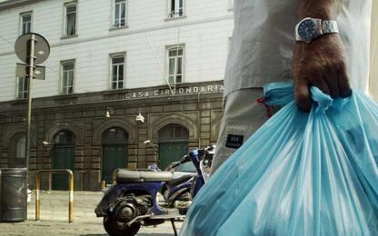 Napoli, detenuto tenta evasione nascondendosi in sacco immondizia