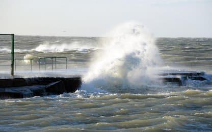 Maltempo in Sicilia, mare mosso e forte vento: isolate le Eolie