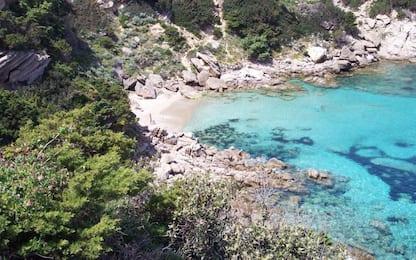 Sardegna, turista trova 30 chilogrammi di hashish sulla spiaggia