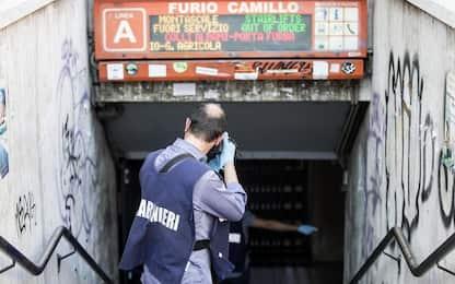 Roma, nuovo guasto alle scale mobili in metro: cede un gradino