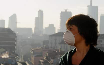 Emergenza smog nel Nord Italia, blocco auto diesel a Milano e a Torino