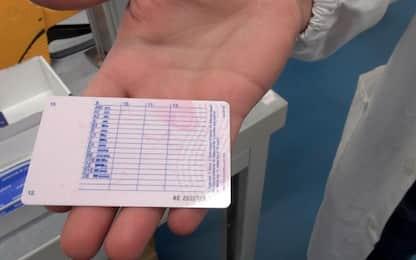 Falsi certificati medici per patenti, 24 misure tra Caserta e Napoli