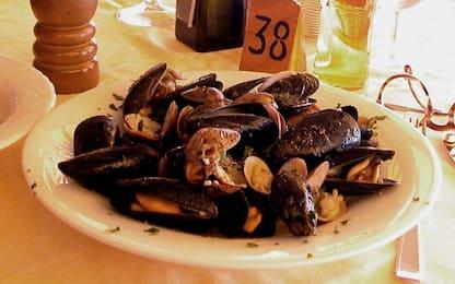 Napoli, sequestrati due impianti abusivi per l'allevamento dei mitili