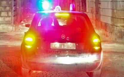 Assalto all'ex caserma dei vigili urbani e all'autoparco nel Catanese