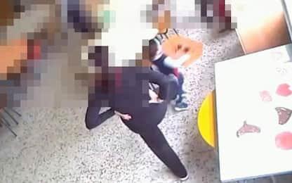 Benevento, maestra sospesa per maltrattamenti agli alunni