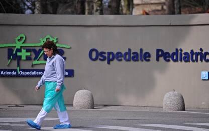 Dimesso dall'ospedale di Empoli, bimbo operato d'urgenza al Meyer