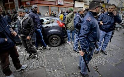 Napoli, sta bene la bambina ferita per errore nella sparatoria