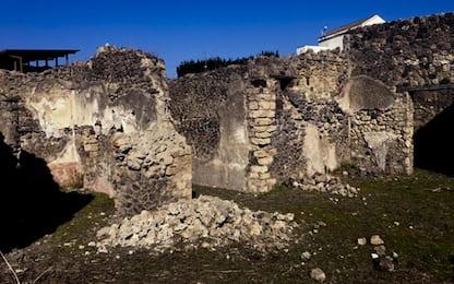 """Pompei, il crollo nella Casa del pressorio per """"naturale deperimento"""""""