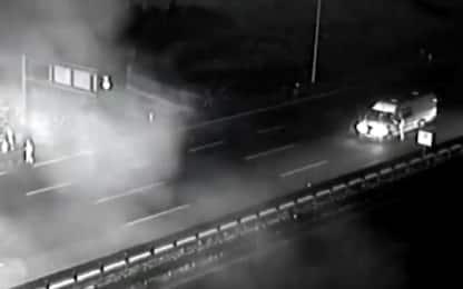 Verona, nuove immagini del pullman in fiamme sulla A4. VIDEO