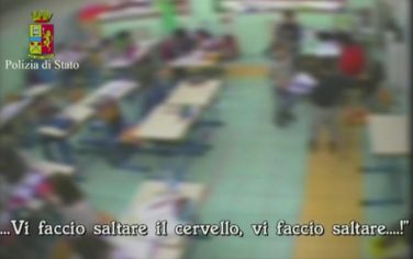 maestra_violenta_reggio_ansa