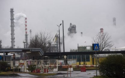Pavia, rubavano carburante dagli oleodotti Eni: 7 arresti