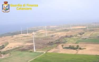ndrangheta_Finanza_sequestra_parco_eolico_a_Crotone