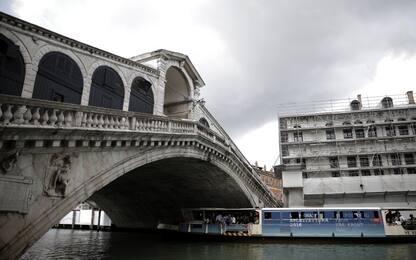 Matrimonio di lusso finisce in rissa: tre denunciati a Venezia