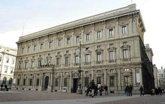 Milano Orari Scuole Negozi Spostamenti