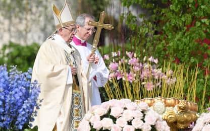 Migranti, guerra in Siria, povertà: la Pasqua di Papa Francesco