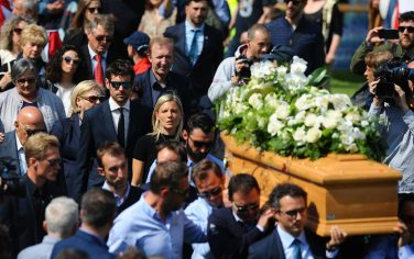funerali_scarponi_lapresse