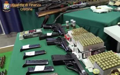 Calabria, maxi sequestro di armi