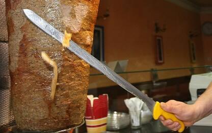 Roma, controlli nei locali di San Lorenzo: trovate blatte in kebab