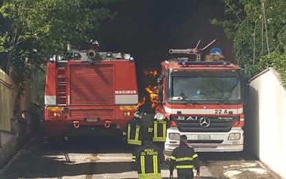 Palermo, rifiuti: incendi e proteste