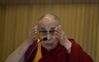 """Terrorismo, Dalai Lama a Palermo: """"Un vero musulmano non uccide"""""""