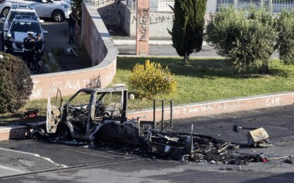 Sorelle morte in incendio camper a Roma, arrestate due persone