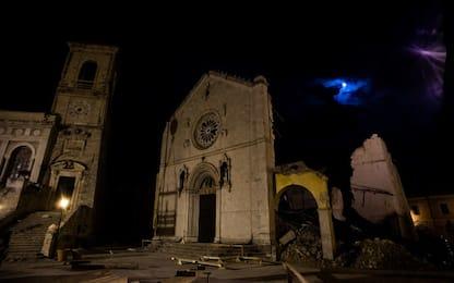 Asta per restaurare i crocifissi di Norcia danneggiati dal terremoto