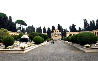 Fotogramma_-_cimitero_Verano