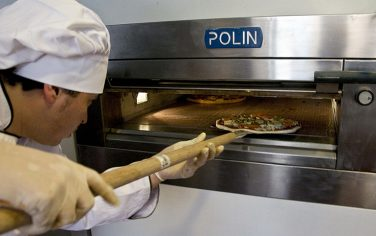 GettyImages-pizzeria