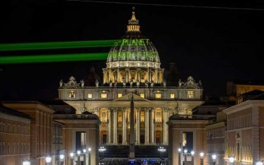 green_peace_roma_trump_01