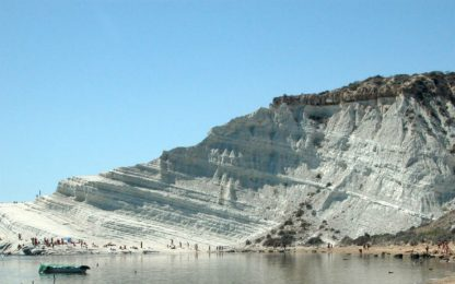 Sequestrata la Scala dei Turchi, indagato il proprietario dell'area