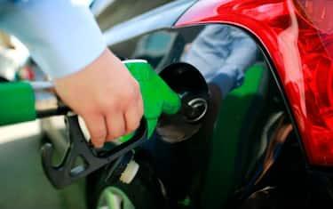 GettyImages-pompa_benzina