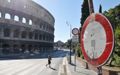 Roma, in arrivo nuova delibera: stop a minimarket e bazar nel centro