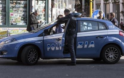 Napoli, falso allarme bomba davanti alla sede del Comune