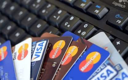 Roma, sorpresi con carte di credito rubate: due arrestati