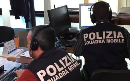 Torino, aghi sparati sui passanti da un'auto in corsa: cinque feriti