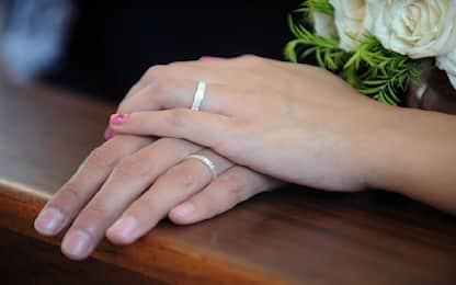 Catania, matrimoni a pagamento per ottenere cittadinanza: 9 indagati