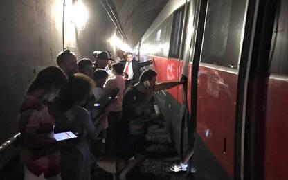 Firenze, Frecciarossa resta bloccato per 3 ore in galleria