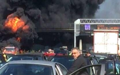 Incendio sull'A1: autostrada chiusa per ore tra Roma Nord e Orte