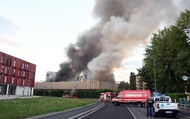 incendio_bruzzano_ansa2