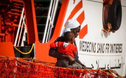Fermata nave Msf: 127 migranti presi a bordo da Guardia Costiera