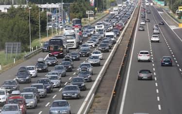Ansa_esodo-traffico