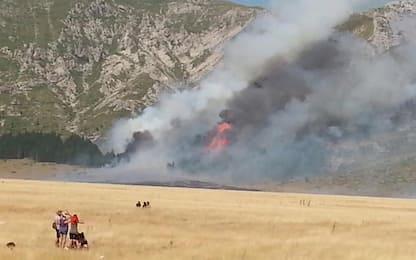 Incendio sul Gran Sasso, di nuovo fiamme nell'area sopra Rigopiano