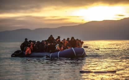 """Migranti, Mediterranea soccorre 54 persone. Salvini: """"Vada a Tunisi"""""""
