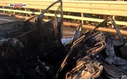 Ubriaco alla guida travolge auto che prende fuoco: 3 morti a Trani