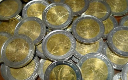 In circolazione monete da 2 euro false: ecco come si riconoscono
