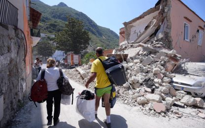 Terremoto a Ischia nel 2017 a causa dell'abbassamento del Monte Epomeo