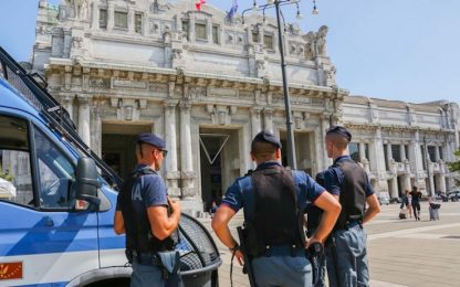 Milano, disabile rapinata da uomo senza mano e donna senza gamba