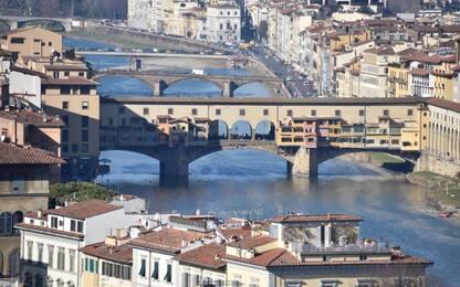 Fa volare un drone su Ponte Vecchio: denunciato un 14enne