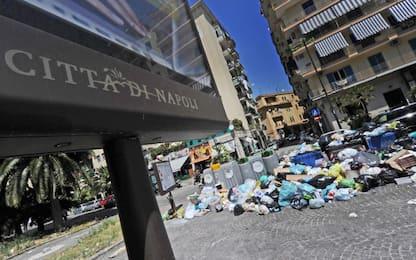 Napoli, la denuncia dei Verdi: continuano i 'mercatini della monnezza'