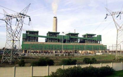 Traffico di rifiuti: sequestro impianti Cementir, Ilva, Enel in Puglia